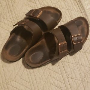 Brown birkenstocks